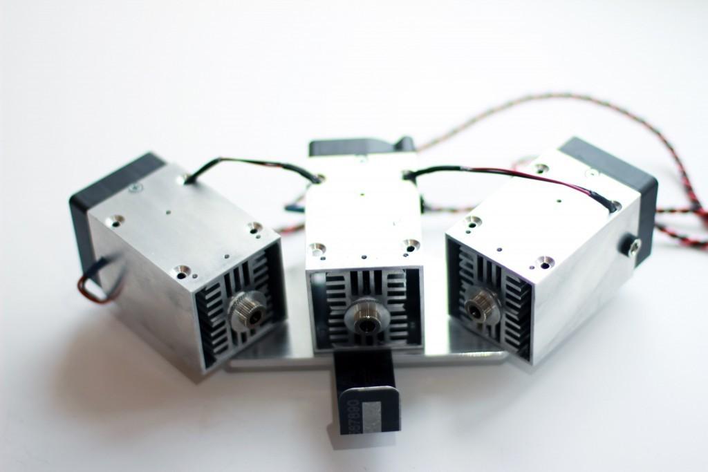 Triple beam laser - 30 watt (30000 mW) of optical power in one spot