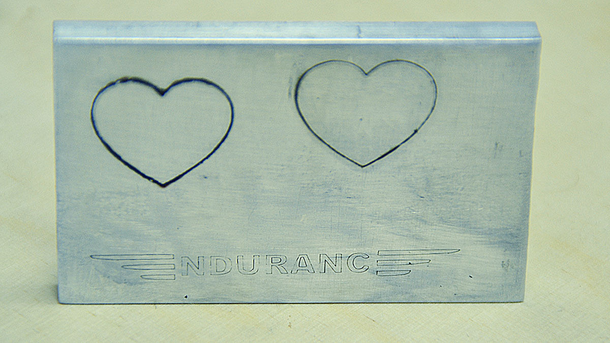 Making an Outline Drawing on an Aluminum Surface