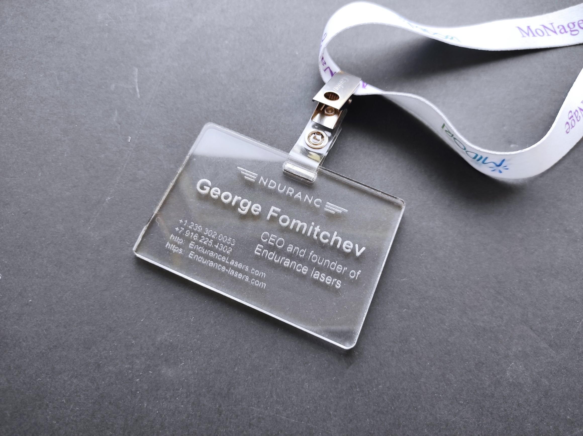 Trasparent acrylic badge